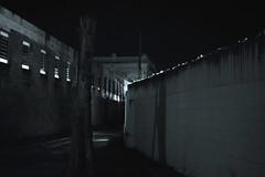 city everyday life (RegiCardoso) Tags: reginaldocardoso noturna noturno cercamiento omuro elmuro cotidiano daily everyday decadence cityscape gothancity city cité urbanismo urbanscene urbanografia urbanspace urbanimaginary urbanism imagináriourbano nacht night noite monocromático