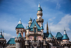 Disneyland Castle (Melissa_JMH) Tags: castle disney disneyland park theme mickey outside daytime daylight light sky color cali california anaheim vacation trip fly flight fun beautiful pretty attraction west westcoast coast nikon nikond610 d610