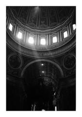 (idasalminen) Tags: vatican italy bw film filmphotography light canoneos500n kodaktmax400 basilicadisanpietro