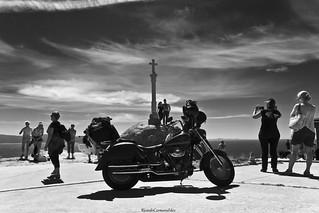 La luz y la motocicleta - The light and the motorcycle.