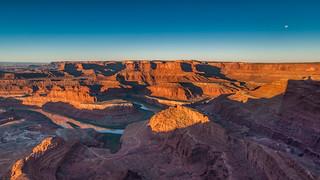 *Dead Horse Point @ sunrise panorama*