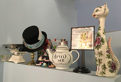 20170808-Drink me (Damien Walmsley) Tags: madhatter drinkme coffee shope teaparty tea cat cafeisabella