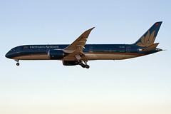 VN-A867 EDDF 17-06-2017 (Burmarrad (Mark) Camenzuli) Tags: airline vietnam airlines aircraft boeing 7879 dreamliner registration vna867 cn 39287 eddf 17062017