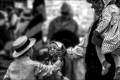 Entrez dans la danse!!! (vedebe) Tags: noiretblanc netb nb bw monochrome humain people fête provence danse danseurs rue street ville city urbain