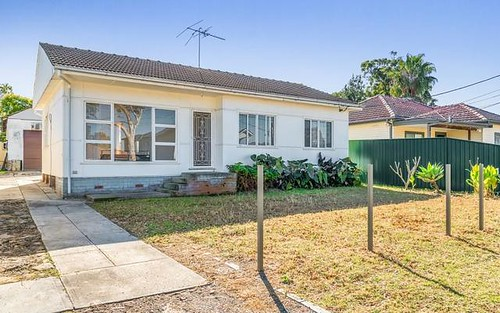 14 Endeavour Rd, Georges Hall NSW 2198