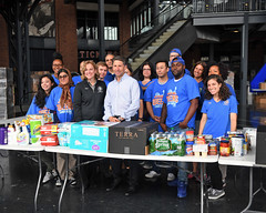 "20170920.Hurricane Relief with The Mets • <a style=""font-size:0.8em;"" href=""http://www.flickr.com/photos/129440993@N08/36955574330/"" target=""_blank"">View on Flickr</a>"