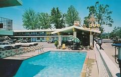 Stardust Motel - Redding, Calif. postcard - note: diving lady sign (hmdavid) Tags: vintage postcard stardust motel redding california divinglady diver