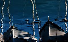 Tratti_irripetibili (Danilo Mazzanti) Tags: danilo danilomazzanti mazzanti wwwdanilomazzantiit fotografia foto fotografo photos photography mare acqua espressionismo arte barche blù riflesso