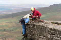 CLIMBERS on STANAGE EDGE in PEAK DISTRICT, DERBYSHIRE_DSC_6396_LR_2.0 (Roger Perriss) Tags: peakdistrict stanageedge rocks d750 vista ropes climber equipment skills