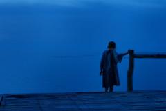Life in blue (rvjak) Tags: thailande thailand blue bleu girl kid enfant ocean sea water eau mer night nuit d200 nikon