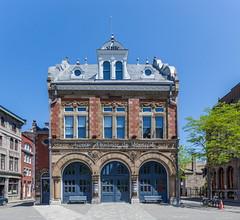 Centre d'Histoire de Montreal (José M. Arboleda) Tags: arquitectura edificio centred'histoiredemontreal viejo montreal canada eos markii josémarboledac ef1740mmf4lusm canon 5d
