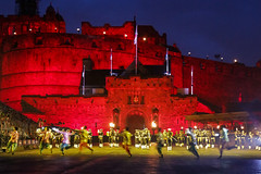 Tattoo 2nd Visit-60 (Philip Gillespie) Tags: 2017 edinburgh international military tattoo splash tartan scotland city castle canon 5dsr crowds people boys girls men women dancing music display pipes bagpipes drums fireworks costumes color colour flags crowd lighting esplanade mass smoke steam ramparts young old cityscape night sky clouds yellow blue oarange purple red green lights guns helicopter band orchestra singers rain umbrella shadows army navy raf airmen sailors soldiers india france australia battle reflections japan fire flames celtic clans