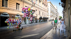L1090690 (Bruno Meyer Photography) Tags: palermo palermu sicilia italia visititalia visitsicilia ilovesicilia streetphotography people balloons walk street colors fly photography travel travelphotography raw edit leica leicaimages leicacamera leicadlux5 leicacamerafrance leicaworld discover life urbanlife urbex archives vacanze dolcevita