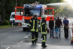 170902-007 (hagen112.de) Tags: feuerwehr brandeinsatz laubenbrand campingplatz rettungskräfte löscharbeiten einsatzkräfte feuer rauch 112 löschfahrzeug einsatz einsatzdokumentation