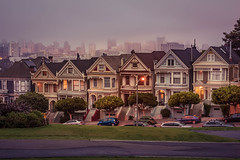 Alamo Square Plaza (Juan Pablo J.) Tags: sonya68 sunrise tamrom2875mm cityscape city sanfrancisco alamo square plaza fog california
