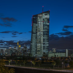 European Central Bank in front of Frankfurt skyline - Mainhattan (stefanfricke) Tags: ezb europeancentralbank bank skyline frankfurt mainhattan bluehour ecb sony ilce7rm2 sel50m28