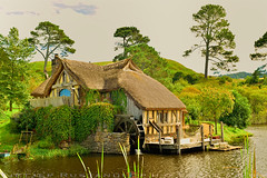Sandyman's water-mill (T Ξ Ξ J Ξ) Tags: newzealand hobbiton hobbitonmovieset matamata d750 nikkor teeje nikon2470mmf28 lbwarmingcpl hobbit house hole home watermill millhouse