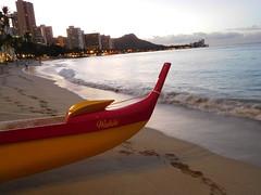 canoe (kenjet) Tags: oahu hawaii tropical island vacation waikiki waikikibeach beach sand wave waves shore sandy boat canoe early am ocean pacific pacificocean