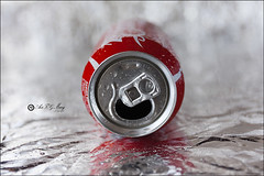Proyecto 217/365 (Art.Mary) Tags: cocacola coke lata boîte can metal bokeh canon bodegón naturemorte stilllife rojo rouge red proyecto365