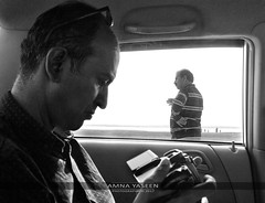 El Fotógrafo (The Photographer) (Amna Yaseen) Tags: photographers 2017 taunsabarrage indusriver travel umairghani syednajamlhassan punjab pakistan documentaryphotography blackandwhite