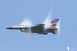 ROCAF F-16 Solo Demo vapor cone