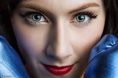 Wonderful Eyes... (Ring of Fire Hot Sauce 1) Tags: cosplay portrait wonderwoman taraazarian sandiegocomiccon sdcc eyes