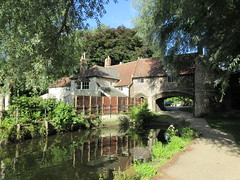Pulls Ferry, morning light, Norwich, England (Paul McClure DC) Tags: norwich norfolk england britain eastanglia aug2017 historic architecture river wensum scenery