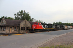High Street Highlights (view2share) Tags: cn5258 lpg august152017 august august2017 2017 wisconsin wi westernwisconsin eastbound railway rr railroading railroads railroad rail rails railroaders rring track trains transportation tracks train transport trackage trees freighttrain freight freightcar freightcars summer deansauvola newrichmond depot station town stone stcroixcounty minneapolissub cn canadiannational cnl516 cn516 l516 516 ns norfolksouthern ns9683 ge generalelectric emd electromotivedivision sd402l gmd lng