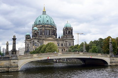 Berliner Dom, Berlin, Germany (Ineke Klaassen) Tags: berlin berlijn deutschland germany duitsland ger de berlinerdom cathedral kathedraal europe europa architecture architectuur architektur architettura architect architectural building buildings gebäude gebouw oberpfarrunddomkirchezuberlin supremeparishandcollegiatechurch kerk church kirche sony sonyimages sonya6000 sonyalpha sonyalpha6000 sonyalphateam sonyalphalab 50mm mirrorless mirrorlesscamera city capital kapital capitalcity berliner stadt stadtmitte citytrip holiday 40faves 1500views