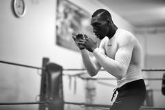 Le shadow boxing (johann walter bantz) Tags: parisest athlet fitness boxing 85mm nikond4s blackwhite monochrome documentaire documentary sportsphotography sport sportler banlieueparisienne 93 pantin boxclub boxeanglaise boxe shadowboxing