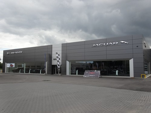 Wavre: Jaguar Land Rover Dealership