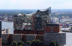 Elbphilharmonie (♥ ♥ ♥ flickrsprotte♥ ♥ ♥) Tags: elbphilharmonie hamburg spiegelungen hafen explore