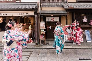 Kimono-clad tourists