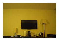 Lyon, France (Jordane Prestrot) Tags: hôtel hotel chambre room habitación téléviseur tv television télévision télé televisor televisión tele blackhole trounoir agujeronegro jordaneprestrot lyon