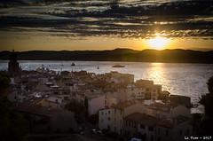 Coucher de soleil sur la baie de Saint Tropez (La Pom ) Tags: france cote azur saint tropez baie coucher soleil mer méditerranée village provencal sunset french riviera
