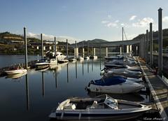Ancoradouro (marialuísaaraújo) Tags: ancoradouro barcos reflexos entardecer