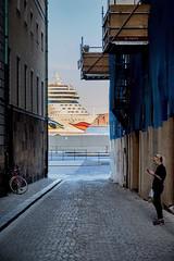 A little privacy please. (Dan Haug) Tags: stockholm gamlastan sweden cruiseship privacy face bow august 2017 fujifilm xf1655mmf28rlmwr xf1655 xt2