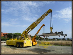 Belotti B52 (DaveFuma) Tags: belotti b52 gru autogru crane mobile wheeled epoca old krane