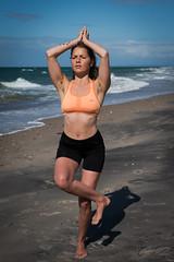 Bowspring (lonerasser) Tags: laura yoga strand hav sommer rågeleje bowspring