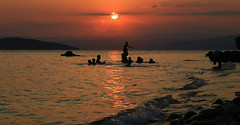 To the Shore! (MarryGj) Tags: summer sea family sunset beach rocks love siblings wave