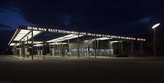 Voor de thuisblijvers (Tim Boric) Tags: gotha station tram bus bahnhof bahnhofplatz goethe avond nacht night
