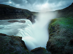 Gullfoss (v-_-v) Tags: gullfossi southernregion iceland gullfoss waterfall water river waves rocks spray moody sky clouds overcast grass europe travel goldencircle