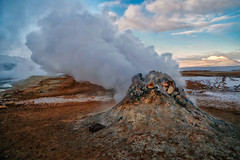 Escape (Don César) Tags: iceland island islandia europa lodo mudpools steam vapor gas heat termal geotermico geotermal energy earth hverir lakemyvatn