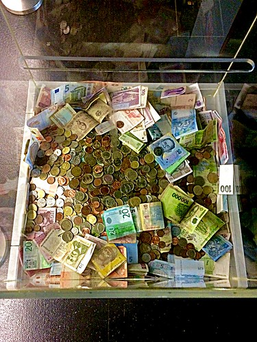 Cash collection for the Austrian Red Cross, at Vienna International Airport.