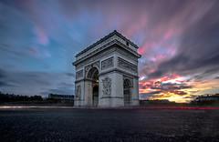 l'arc de triomphe (dblechris) Tags: paris soir nuit arc de triomphe pzaris by night soleil couchédesoleil eos 80d pauselongue