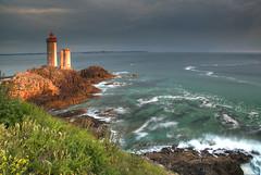 Petit Minou at Sunset (hapulcu) Tags: atlantic atlantique brest bretagne brittany france francia frankreich frankrijk fransa lighthouse ocean phare primavera printemps spring finistere
