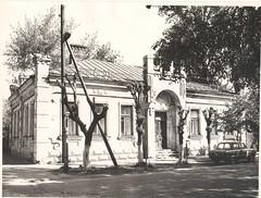 примерно 90-е годы, когда ДБ №6 им. Н. Островского переехала по нынешнему адресу Комсомольская 52