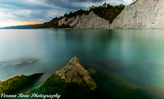Sunset At The Bluffs (vernonbone) Tags: 1020mmsigma 1855kitlens 2017 autumn blue d3200 gray lakeontario lens ontario orange september wideangle beach blufferspark bluffs clouds colors lake leadinglines longexposure nikon outside sigma water