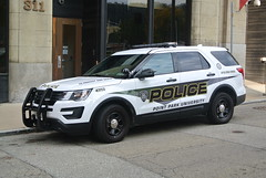Point Park University Police Department (Emergency_Spotter) Tags: police car university dept department ppupd fpiu fpis law suv justice ford enforcement pittsburgh cops cop campus vector whelen liberty vehicle side shot pgh point park awd