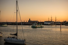 Ferry (veik88) Tags: nikon nikond810 seascape ferry portsmouth gosport sunrise sea